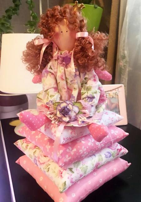 Принцесса на горошине Маргарита с розой 30 см
