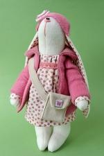 Зайка Виолетта в розовом пальто 23 см